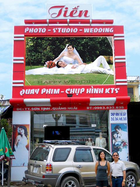 Bảng hiệu áo cưới