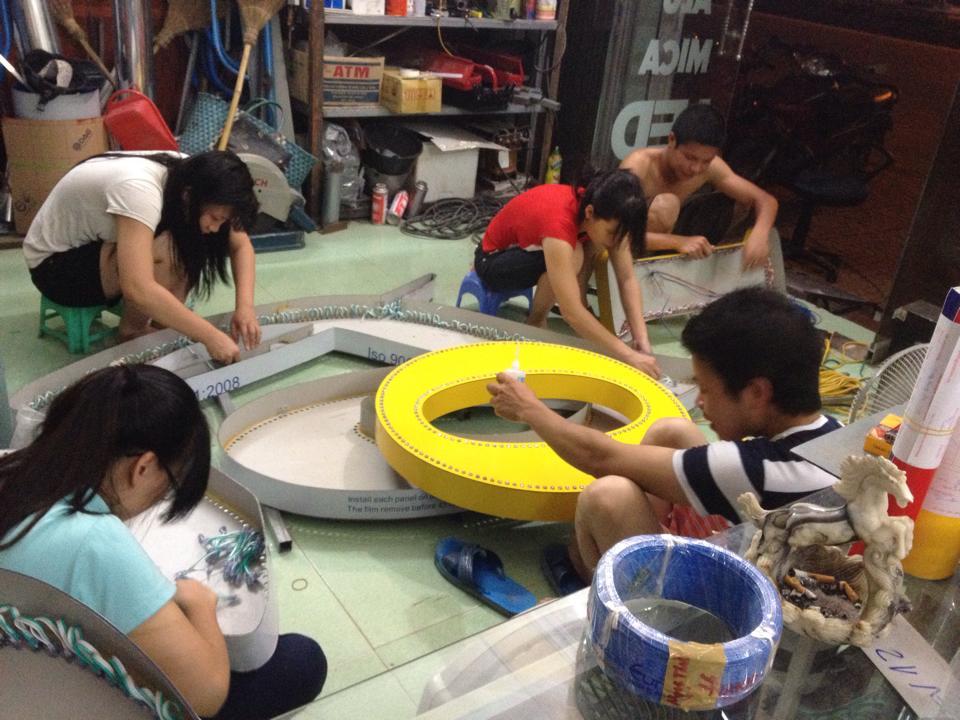 Cần Thợ Quảng Cáo ở Gò Vấp HCM