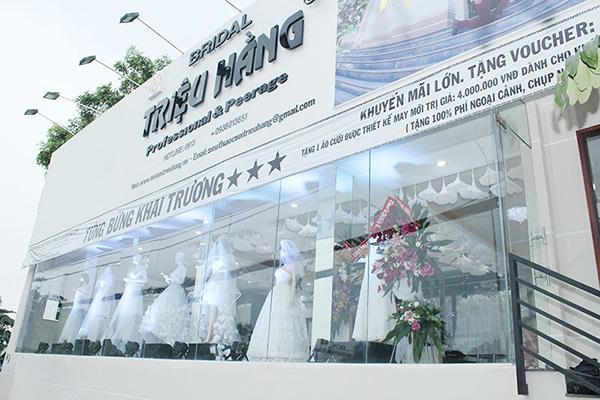 bảng hiệu áo cưới đẹp nhất
