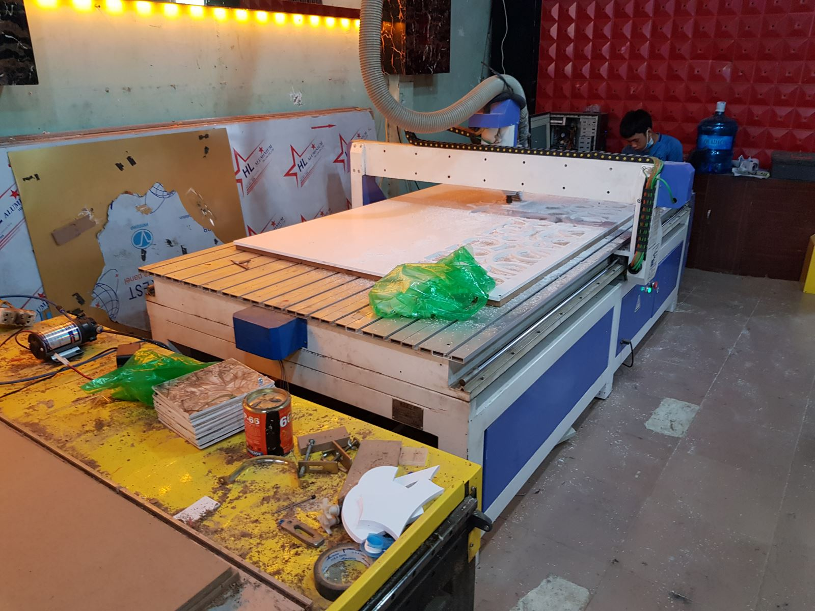 Xưởng gia công cắt CNC giá rẻ hà huy giáp HCM